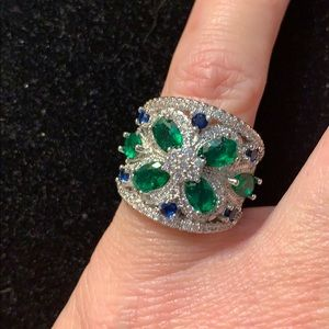 Jewelry - 925 Silver Emerald and white Sapphire ring